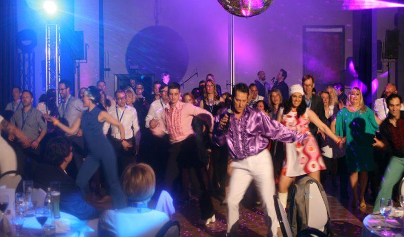 Firmenevent Tanzshow Tänzer Comparsen